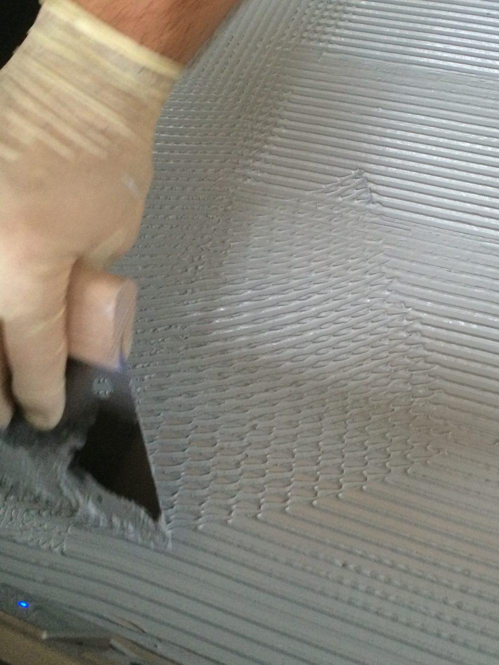 Verklebung der HPL-Platte als Küchenarbeitsplatte